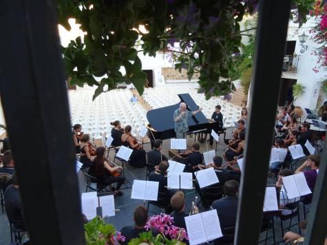 Con Michael Thomas y la Joven Orquesta Mediterránea. Fuente: Luisa Gutiérrez