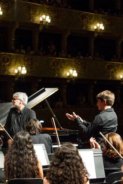 Concierto en el Teatro Sao Carlos en Lisboa con Concerto Moderno y Cesar Viana
